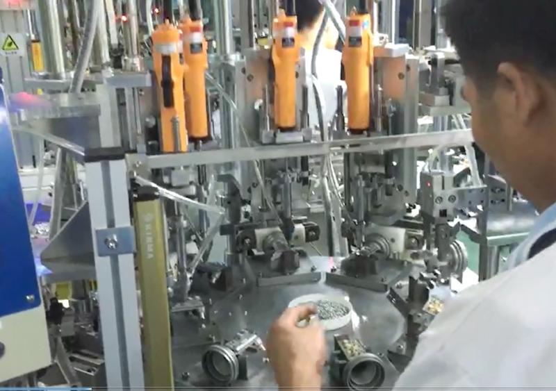 在线式多电批自动锁螺丝机