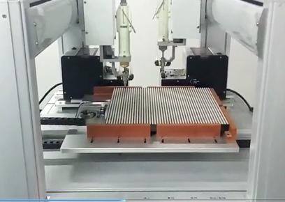 双平台吸附式龙门架自动焊锡机